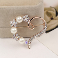 Free shipping!!!Glass Pearl Brooch,Fashion Jewelry in Bulk, Zinc Alloy, with Glass Pearl, Heart, rose gold color plated