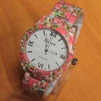 High Quality Alloy Band Geneva Platinum Flower Floral Rose Rubberized Coated Women Men Analog Quartz Wrist Watches