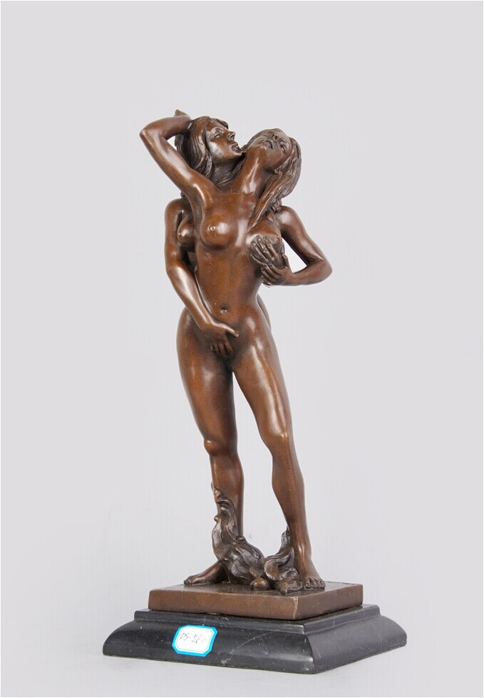 Lesbian love statue pictures