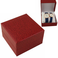 Upscale Elegant Beautiful Leather Watch Box with a small pillow Red Luxury Watches Bracelet Wristwatches Gifts Clamshell Boxes