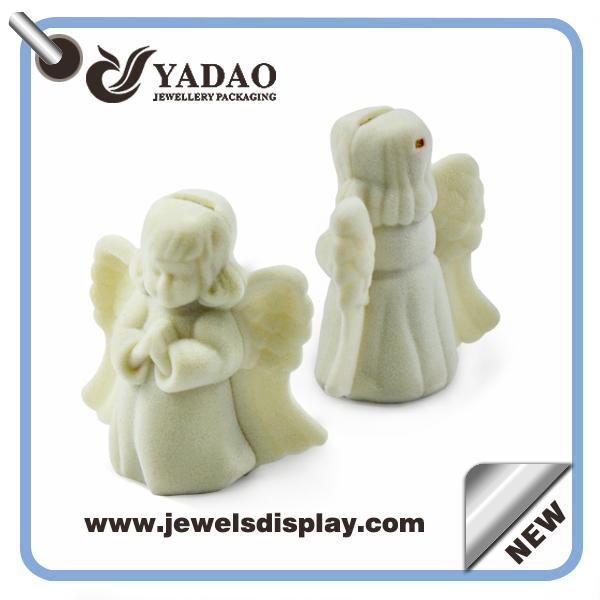 2015 newest popular fashion white velvet plastic jewelry boxes for pendant(China (Mainland))