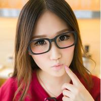 Vintage black-rimmed glasses frame radiation-resistant plain eyeglasses frame glasses trend of the paragraph