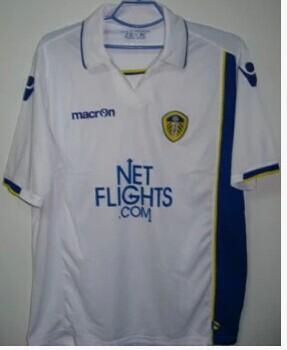 Free shipping- top Thailand quality 09-2010 season Leeds United soccer clothing single jacket 70(China (Mainland))