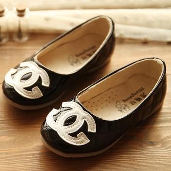 Бесплатная доставка 2015 новая классическая мода весна осень дети кожаные ботинки для детей , принцессы девочек одиночные обувь кроссовки