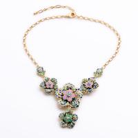 Elegant Crystal Flower Necklace 2015 New Designer Sparkling Costume Accessories Collar Necklace