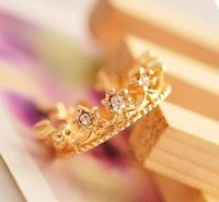 OMH wholesale 5.5 16 mm gold Silver fashion jewelry lovely  small loliness crown alloy crystal ring for women JZ82