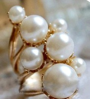 OMH wholesale 5.5 16 mm gold jewelry fashion Vintage  imitation pearl gorgeous round alloy ring for women JZ74