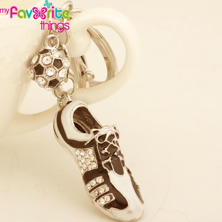 New 3D Sport Football Shoe Keychain Keyring Fashion Crystal Metal Trinkets Key Chain for Women Men Car Bag Gift Charm Pendant(China (Mainland))