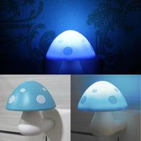 New Cute Plastic Light Controlled Children Room Mushroom Night Lamp, Decorative Led Power Saving Mushroom Night Light For Kinds.