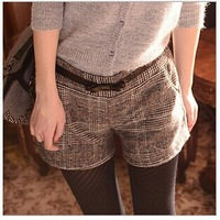 2015 Autumn And Winter High Waist Casual Shorts Female  Grid lines Bootcut Short Pants No Belt