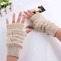 Korean Version New Warm Gloves Men's And Women's Triangular Half-Finger Mittens Typing Diamonds Fingerless Wool Gloves #M00248