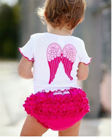 2015 new infants suits (lace wings T-shirt + PP shorts), European and American girls leisure suits. 100% cotton baby suit.
