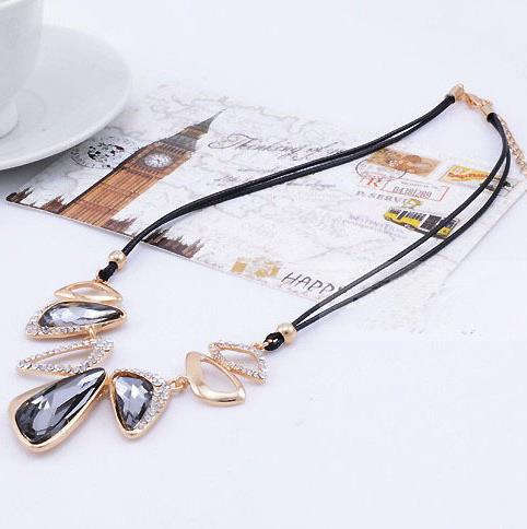 Luxury Free shipping 2 color geometry Crystal Rhinestone girl two thin leather chain necklace charm jewelry shop(China (Mainland))