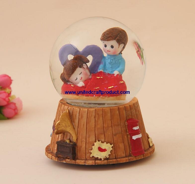 Water Globe App Popular Resin Water Globe