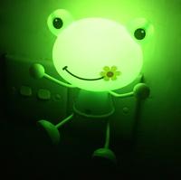 Frog Shape LED Night Light Room Lamp Green Light Hot sale Cute gift 220V 5W Free Shipping Indoor Lamp