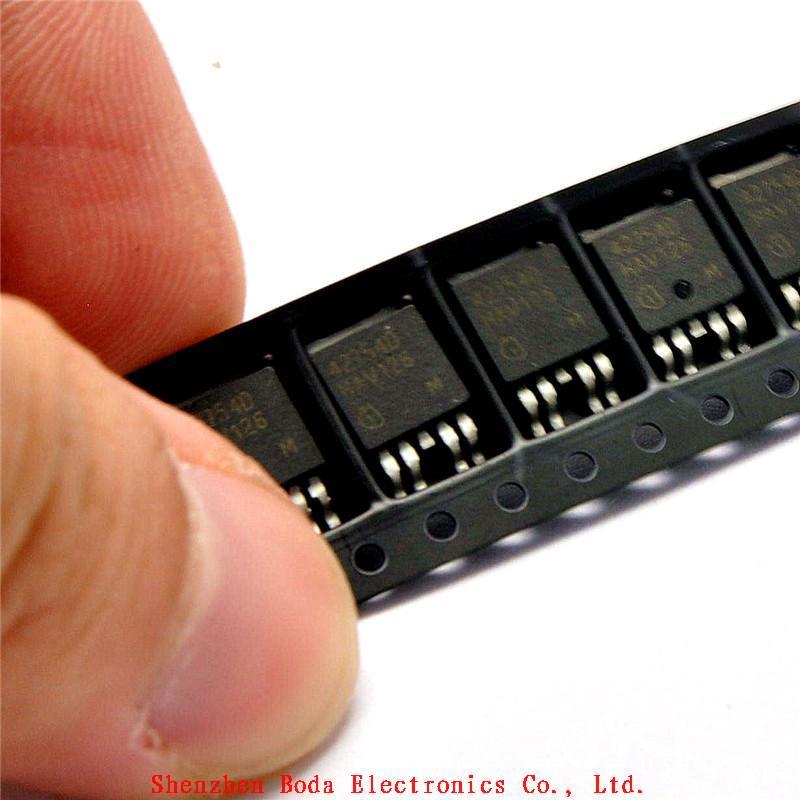 Ic TLE42754D 0.45A / 5 V слово