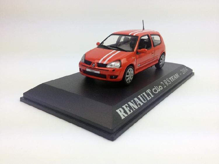 Universal Hobbies 1:43 RENAULT Clio 2 RS TEAM 2004 Diecast Metal Model(China (Mainland))