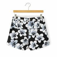 Women's Brand Bright Lily Floral Print Shorts Women Shorts Black Causal Short Cintura Alta bermuda feminina