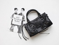 One 2 One Summer Spring 2015 New Black Rivet Cool Retro trend Women Mini Motorcycle Bag Shoulder Bags
