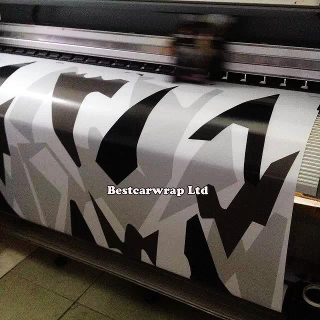 Car styling White / Black camouflage sticker bomb printing car body decoration vinyl wrap roll film 1.52 x 30m/Roll(China (Mainland))
