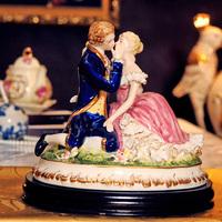 Ceramics bride and groom crafts fashion classical ceramics crafts decoration the new house decoration crafts