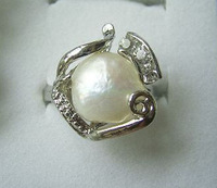 white baroque pearl rhinestone ring