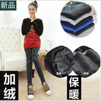 plus thick plush inside leggings with appliqued cat fashion and slim leggings