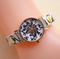 Hot new fashion women watches, leather popular wristwatch UV printing speed fast delivery