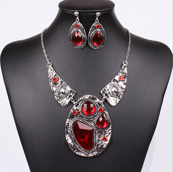 Old Silver Plated 2015 Vintage Women Wedding Jewelry Set Waterdrop Alloy Bead Pendant Ruby Statement Necklace Drop Earrings Set(China (Mainland))