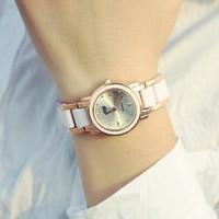 New 2015 Fashion Luxury Ladies Quartz Famous Brand Watch Dress Wristwatches Gold Color Quartz Case Women Best Gift Watches