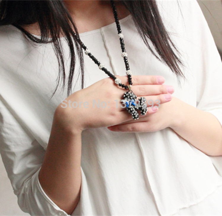 Exclusive new autumn black balls full of crystal beaded white full chain VIP dog sweater chain(China (Mainland))