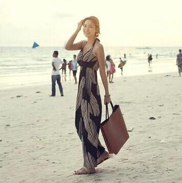 Free shipping !!!!Summer new bohemian resort beach dress Halter Bra ~ ~ large size women's dress was thin dress(China (Mainland))