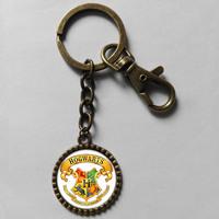 Wholesale 6$ Harry Potter Hogwarts Crest Keyring Key Chain Art Glass Pendant Cute Keychain Gift lot