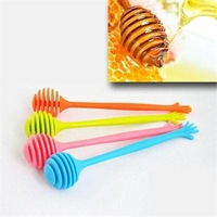 2015 New Help Honey Spoon Hand Shape Honey Stick Stirring 17cm Kitchen Tools