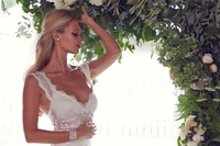2015 Ivory Lace Mermaid Wedding Dresses V Neck Backless Sleeveless Sweep Train Crystal Sheer Bridal Dress Anna Campbell Harper