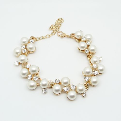 With exquisite luxury fashion imitation diamond pearl bracelet(China (Mainland))
