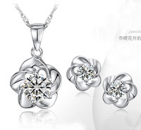 New Arrival Fashion Design 925 Silver Plated Rose Pendent Crystal Necklace Stud Earrings Lead Free High Quality Jewelry Set