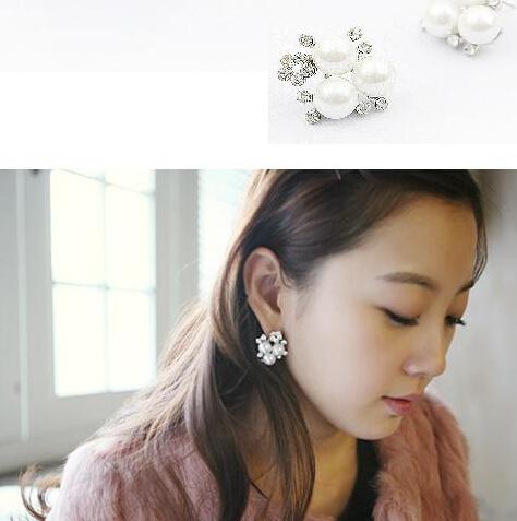 Lifestyle simple jewelry five hot fashion flash imitation diamond pearl earrings wholesales(China (Mainland))