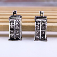 2pc/lot Wholesale fashion Creative Retro Silver Police Box Pendant Necklace Tardis Vintage Necklaces Pendant charm free shipping