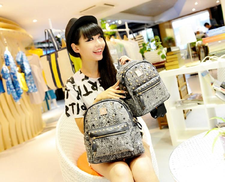 Designer brand new 2015 spring fashion backbags with rivet women free shipping drop shipping(China (Mainland))