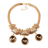 European and American big fashion party banquet female clothing accessories, exaggerated luxury crystal necklace gold