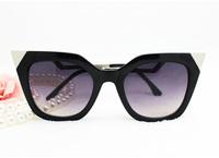 New Metal diamond Cat eye Sunglasses brand F women twist curve temple sun lenses glasses triangle crystal shades UV400 big frame