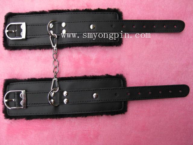 1155 black plush handcuffs , sex toys sources(China (Mainland))