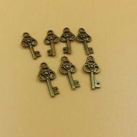 T576 20pcs/lot size 24*11mm key pendant little key diy charms Antique  Alloy Jewelry finding key accessories diy charm