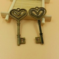 T594 20pcs/lot size 70*40mm key pendant telesthesia  diy charms Antique  Alloy Jewelry finding key accessories diy charm
