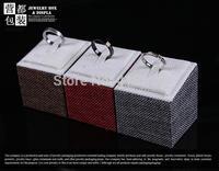 Jewelry linen display