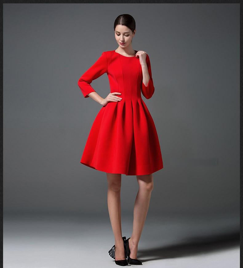 Платья по колено на осень