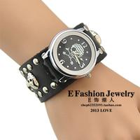 [Free Shipping] Fashion punk bracelet table rivet skull watch men's watch vintage table