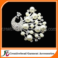 Hot Sale ! 2015 shipping free silver plated crystal rhinestone pearl peacock brooch for wedding dress wholesale