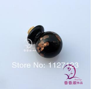 "[Aventura inicial] ""Puerta de Saturno"". [Ojo de Dioses, 7 de Enero - 898 d.G.]  10pcs-Perfume-Bottle-Pendant-Ball-font-b-black-b-font-aromatherapy-necklace-font-b-vial-b"